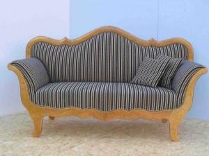 Herrliches Biedermeier Sofa aus Kirschbaumholz