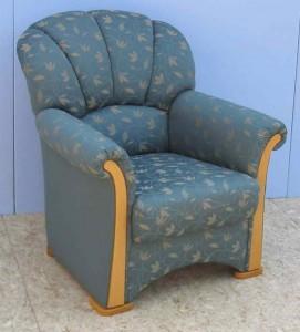 Sehr schöner, hochwertiger und in Handarbeit gefertigter Sessel.